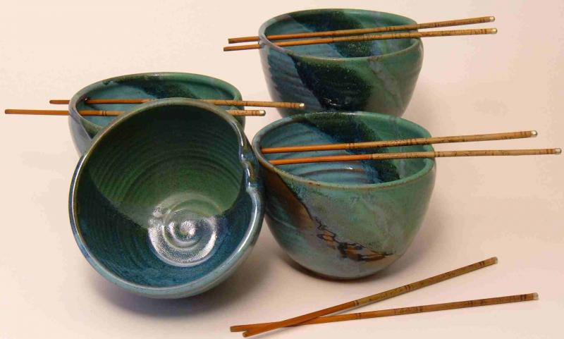 Noodle or rice bowls in land and sea color